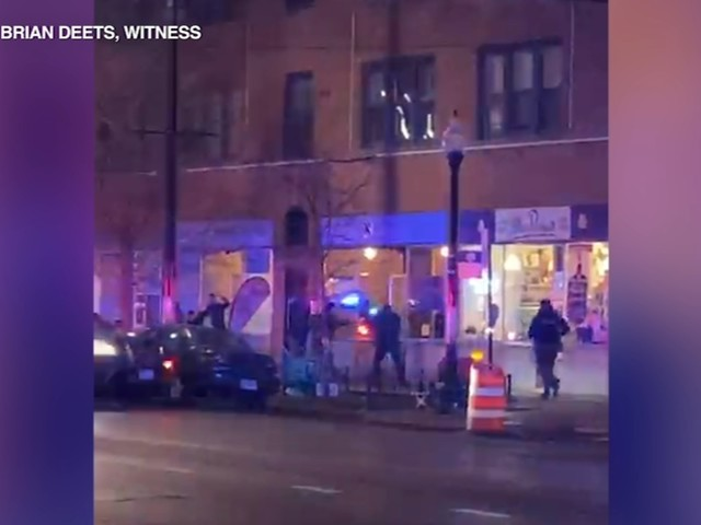 Chicago cop shot in head during 'gun battle' with bank robbery suspect on NW Side; boy, 15, also shot