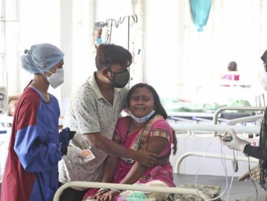 Indian Hospitals Running Out Of Oxygen As Daily COVID Deaths Top 2,000 For 1st Time