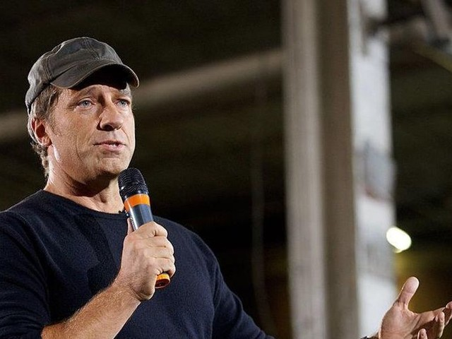 Mike Rowe hammers Biden for mixed messaging on COVID vaccine: 'The evidence is real, and it demands a verdict'