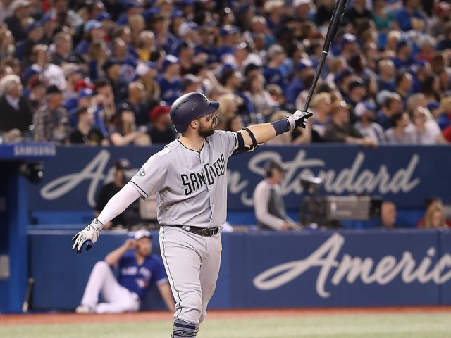 Padres hit 7 homers in 19-4 rout of Jays