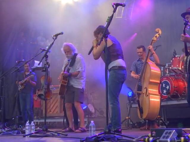 Bob Weir Joins Old Crow Medicine Show & Edie Brickell At Lockn'