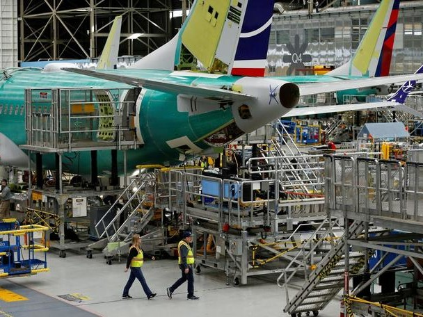 """""""Absolutely Unacceptable"""" - Leaked Boeing Memo Shows 'Debris' Found In 737 MAX Fuel-Tanks"""