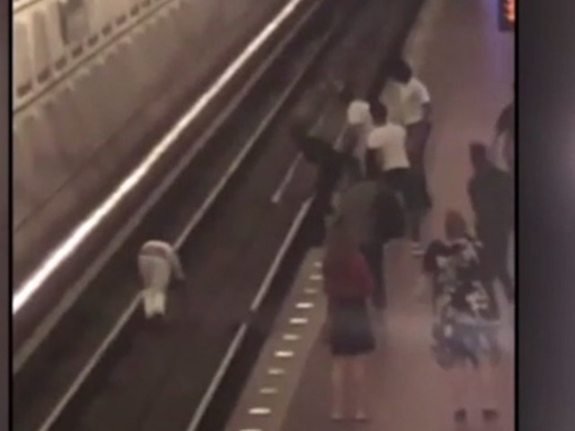 WATCH: Teens gang up on man, shove him on DC Metro train tracks. It allegedly started with teen randomly slapping victim.