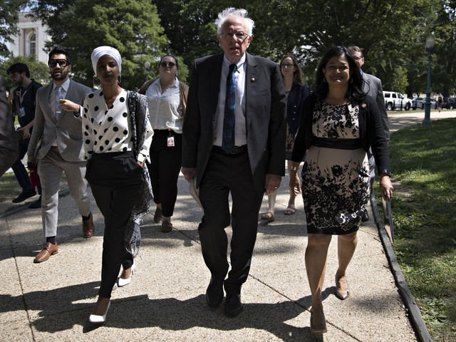 Rep. Jayapal, a leading liberal congresswoman, endorses Sanders for president