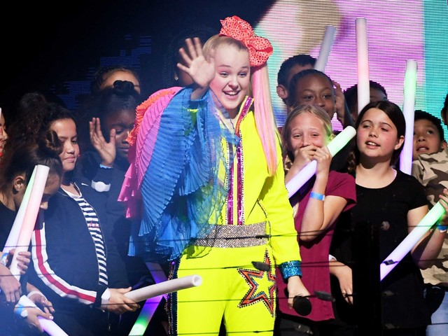 Nickelodeon and 'Dance Moms' star JoJo Siwa is coming to Sugar Land