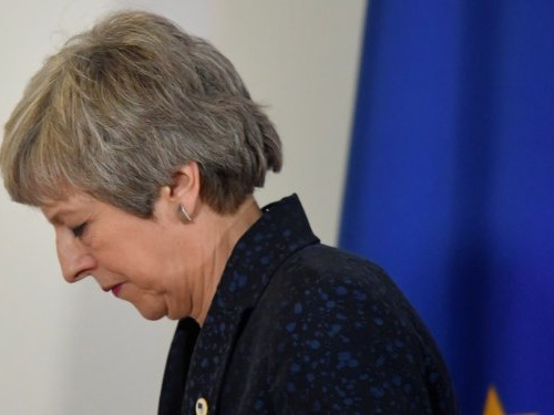 Theresa May prepares to give MPs vote to revoke Article 50 and cancel Brexit