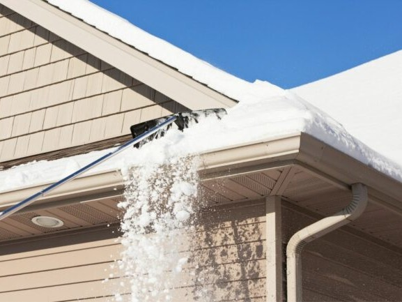 The Best Roof Rake for Snow Removal