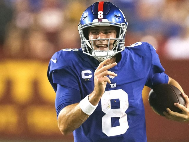 Daniel Jones stepped up, but the Giants didn't