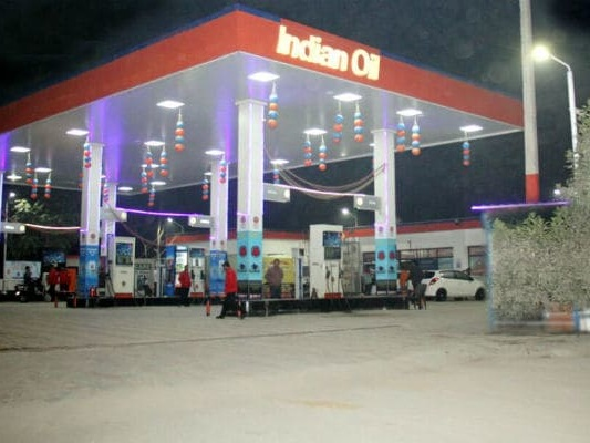 2 At Chennai Petrol Pump Run By Convicts Return Cash, Phone To Owner