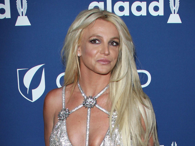 Britney Spears Spotted Out for the First Time After Entering Treatment