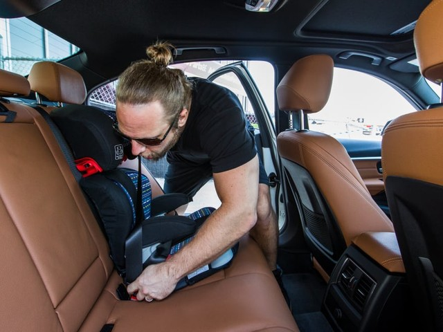 How Cars.com Conducts Car Seat Checks