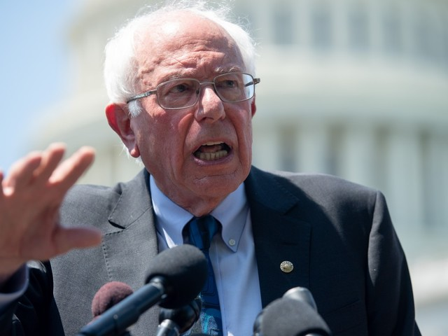 Sanders outflanks Warren with proposal for universal student loan debt relief