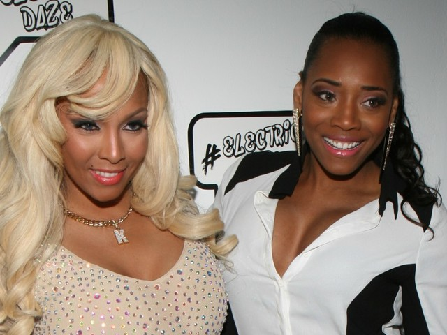 Kimbella Lets The World Know She Doesn't Appreciate Yandy's Fakeness
