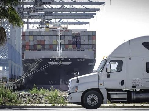 Judge Exempts 70,000 Truckers From California 'Gig Worker' Law