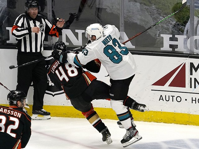 Kevin Labanc, Ryan Donato score in shootout to lift Sharks over Ducks
