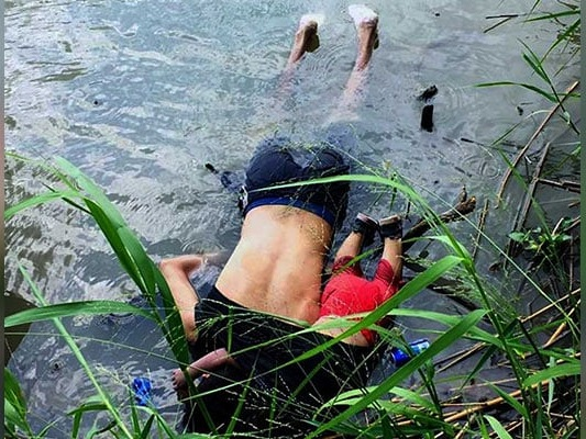Photo Of Drowned Father, Daughter Highlights Migrants' Border Peril