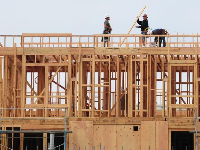 Apple says it will spend $2.5 billion on housing crunch
