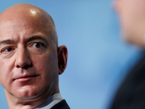 Jeff Bezos just sold $1.8 billion worth of Amazon shares — here's our best guess at why (AMZN)