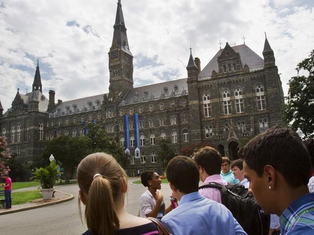 GW President Thomas LeBlanc seeks 20% cut in undergraduate numbers
