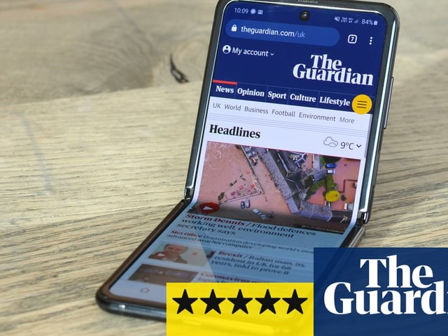 Samsung Galaxy Z Flip review: back to the folding flip phone future