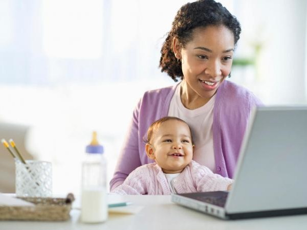How and Where to Make an Online Baby Book