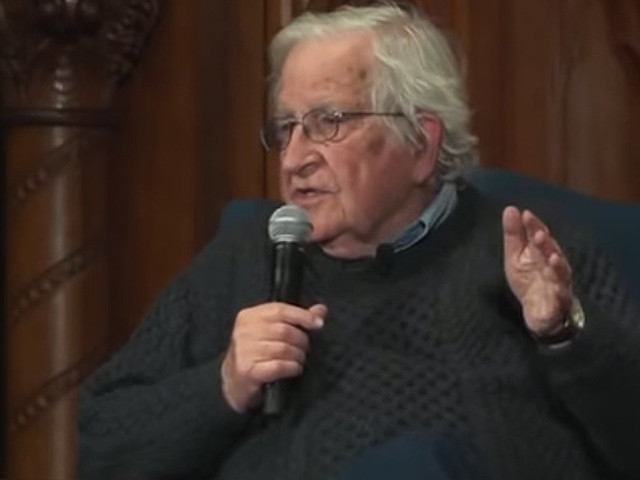 Noam Chomsky says Dem Russiagate fixation a 'huge gift' to Trump that may hand him 2020