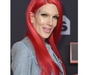 Jeffree Star hospitalized after Wyoming car crash