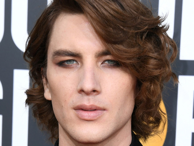 Cody Fern's Golden Globes 2019 Red Carpet Look Is On Point