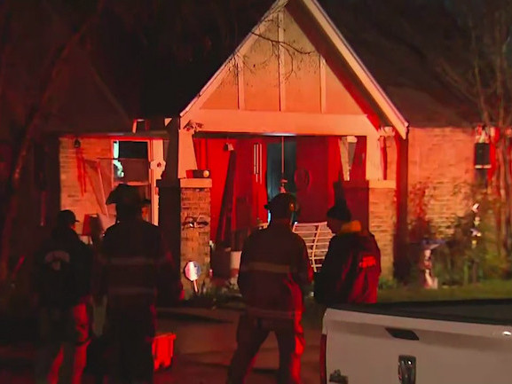 Elderly Woman Dies In Early Morning House Fire In Fort Worth