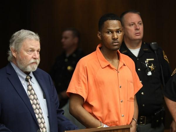 Toledo man withdraws insanity plea, pleads not guilty in August homicide case