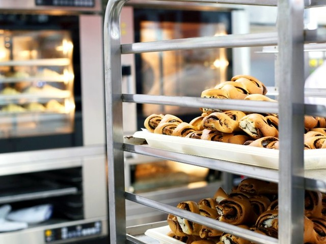 Essential Equipment You Need for a Bakery