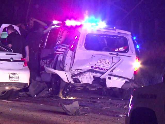 Deputy injured after suspected drunk driver crashes into patrol car