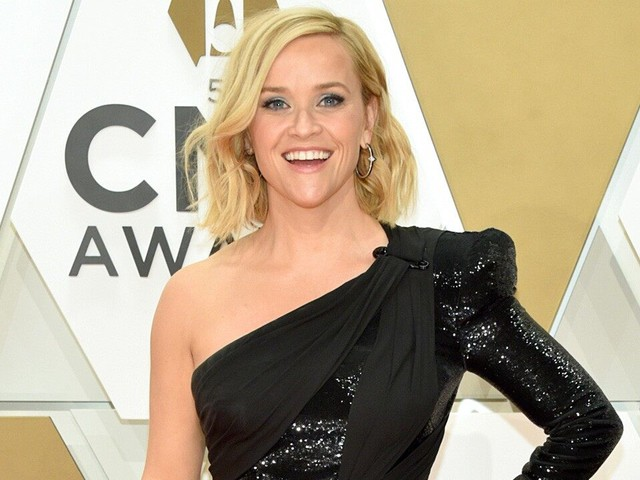 Reese Witherspoon Sparkles in One-Shoulder LBD at 2019 CMA Awards