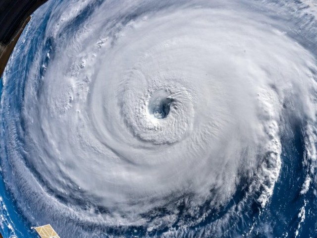 'Disaster is at the doorstep': Hurricane Florence watches and warnings extend to 10 million people as the storm nears the coast