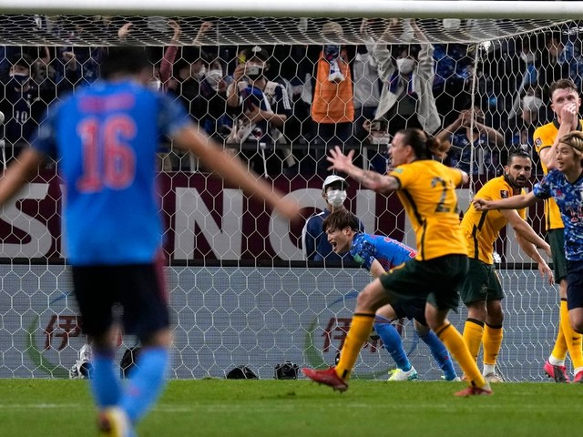 Japan beats Australia 2-1 in World Cup qualifying