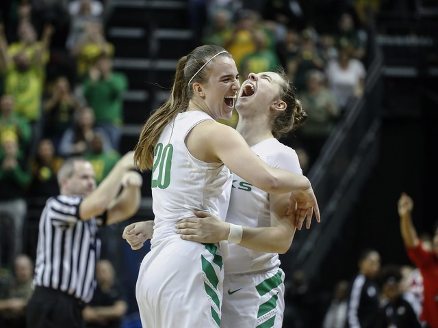 Sabrina Ionescu has triple-double in Oregon's win