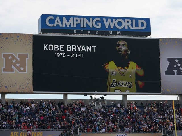 NFL players pay tribute to Kobe Bryant