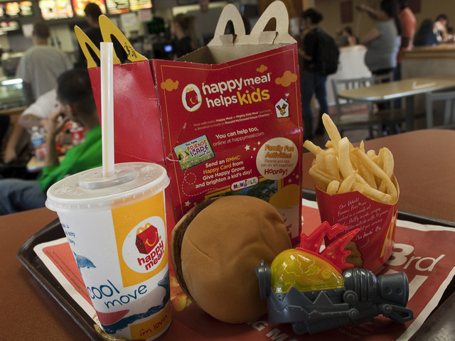 Milk Or Water? Gov. Brown Signs Law Limiting Soda And Juice In Kids' Meals