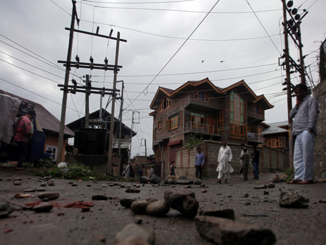 Phone lines and internet partially restored in Kashmir as India eases two-week lockdown