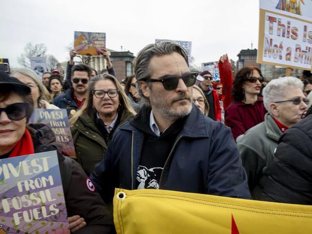 Joaquin Phoenix among stars arrested at Jane Fonda's climate change protest