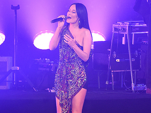 Kacey Musgraves brings her anthems to a sold-out Radio City Music Hall