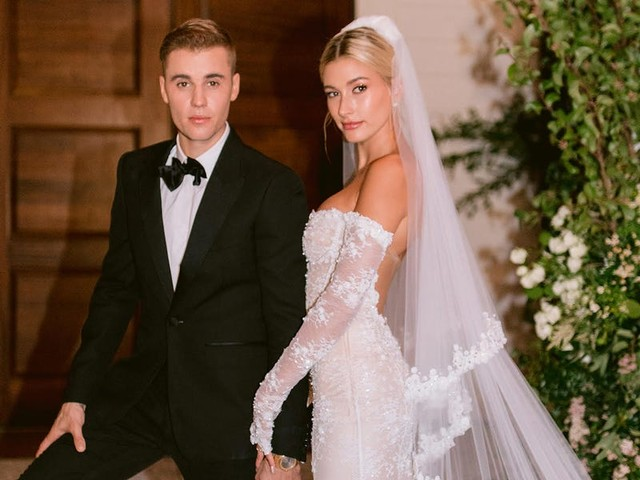 Hailey Baldwin and Justin Bieber's wedding photographer shared never-before-seen photos giving a glimpse inside their reception