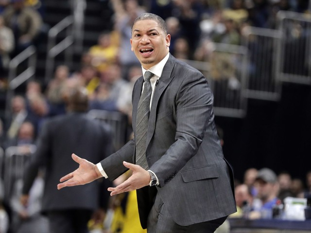 Cavaliers coach Ty Lue reportedly claps back at heckler, takes shot at Indiana fashion