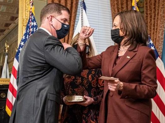 Biden Picks Harris To Lead New Pro-Union Task Force