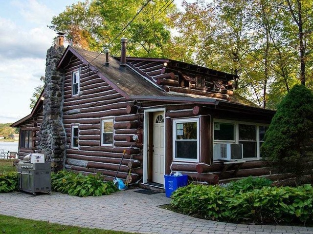 Log Some Quality Vacation Time In One Of These Airbnb Cabins