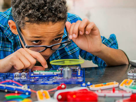 6 Benefits of STEAM Education for Elementary School Age Kids