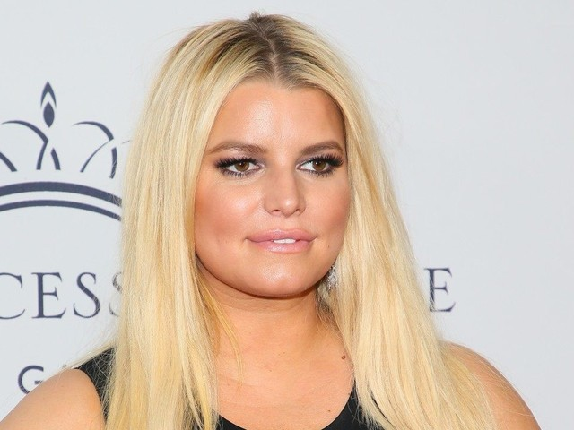 Jessica Simpson Finally Finds a Remedy for Her Extremely Swollen Feet