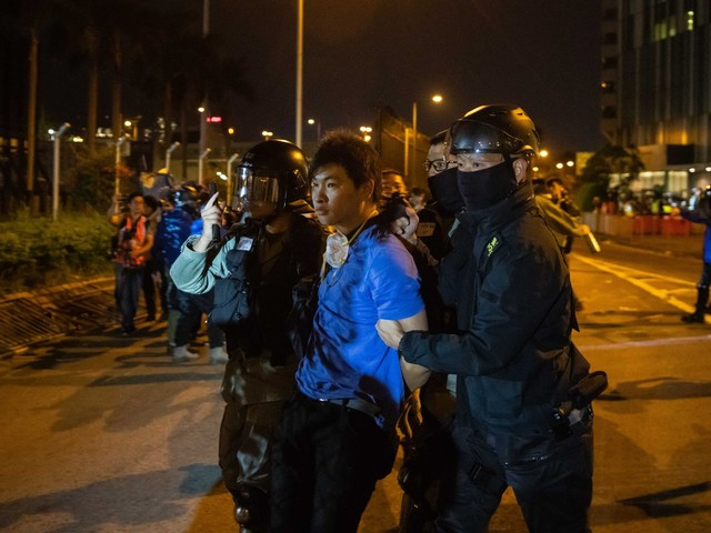 Hong Kong protesters, police enter final phase of showdown as China slams U.S.