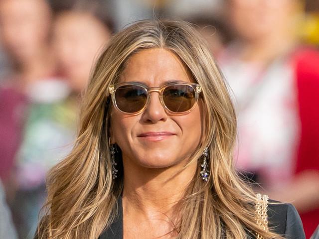 Jennifer Aniston Wears Black Booties to 'Jimmy Kimmel Live!' After Breaking Instagram World Record