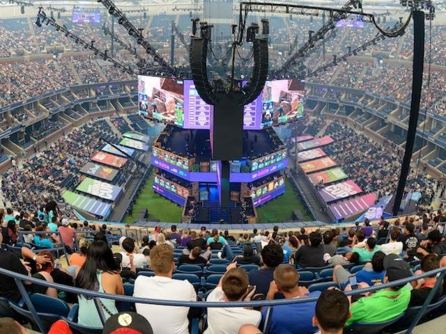 A teen who frustrated his mom gaming 8 hours a day became a millionaire in the Fortnite World Cup